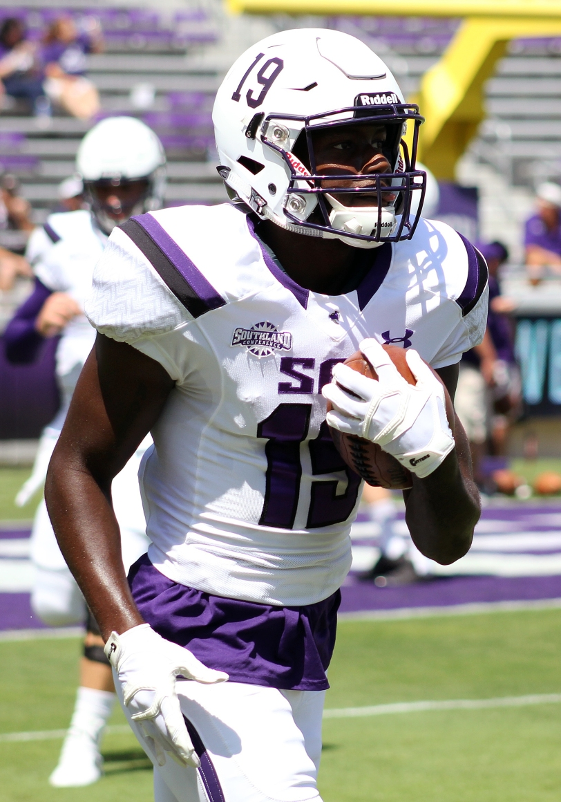 SFA wide receiver Robert Sylvester. (RoadTripSports photo by Matthew Postins)