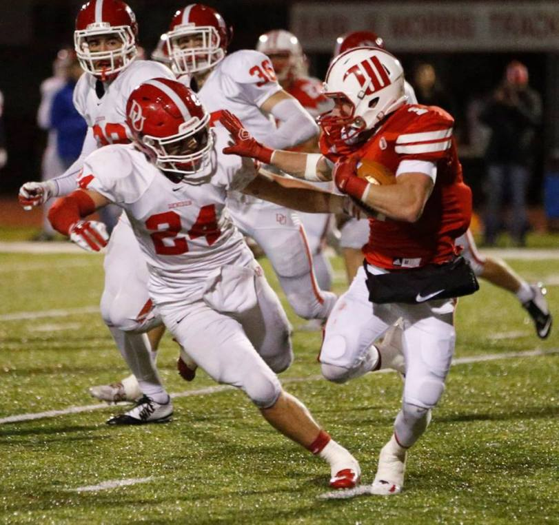 Wittenberg's Jeff Tiffner and Denison's Lucas Romick square off during their teams' game in Springfield, OH, on Oct. 17, 2015. (RoadTripSports photo by Kendall Webb)