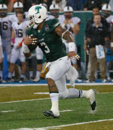 Tulane running back Sherman Badie runs the ball during the Green Wave's loss to UConn on Nov. 7, 2015. (RoadTripSports photo by Kendall Webb)